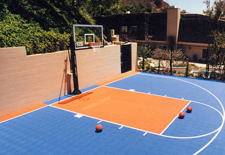 Outdoor modular sports flooring surfaces for Backyard multi sport court